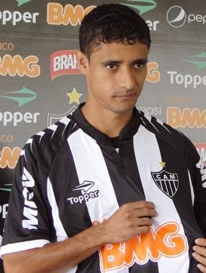 Juninho na apresentação no Atlético-MG (Foto: Leonardo Simonini / Globoesporte.com)