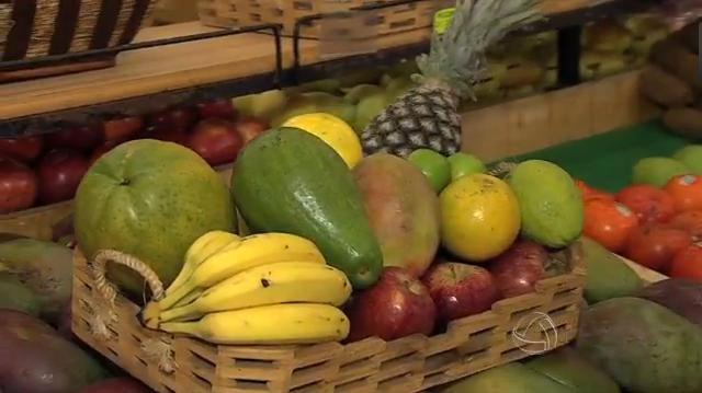 Nutricionista fala dos benefícios das frutas (Foto: TVMO)
