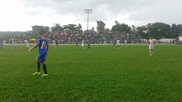 Guaraí venceu o Paraíso por 1 x 0 com o apoio da torcida, no estádio Delfinão (Foto: Vilma Nascimento/GloboEsporte.com)