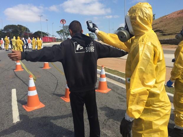 Militares utilizarão equipamento que detecta contaminação em caso de ataque (Foto: Will Soares/G1)