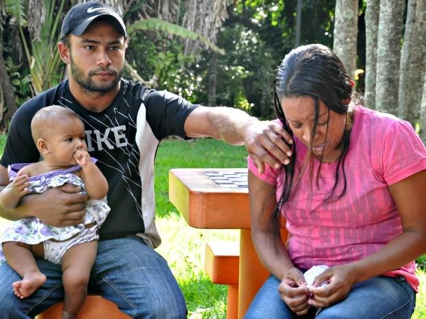 Pais de menino de 2 anos que morreu em Campo Grande (Foto: Tatiane Queiroz/ G1MS)