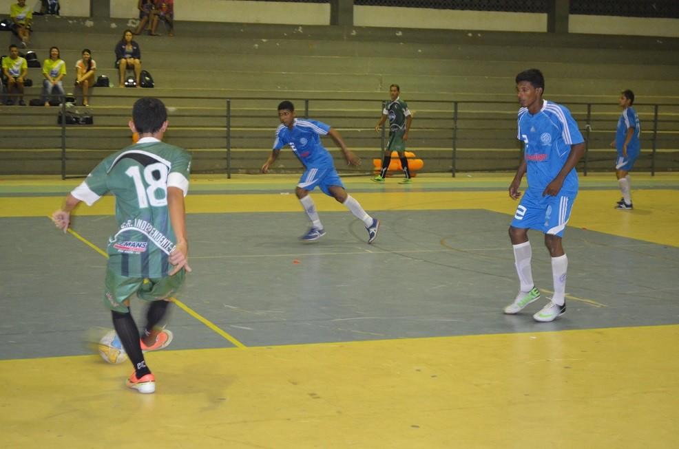 Equipes brigam pelo título, campeões irão representar o estado em competições nacionais (Foto: Nailson Wapichana/GloboEsporte.com)