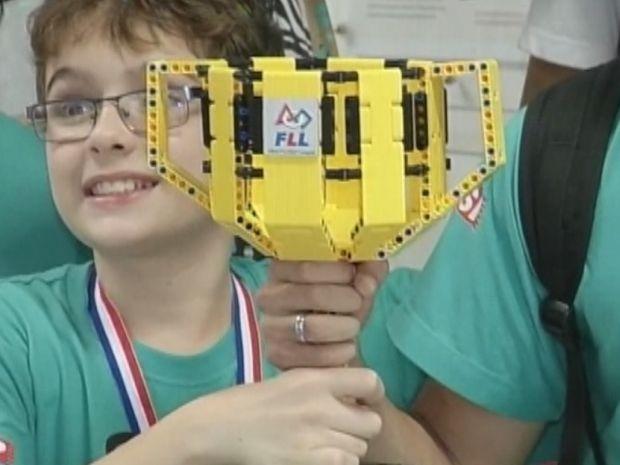Estudantes do Sesi de Ourinhos venceram a etapa nacional de um dos mais importantes concursos de robótica do mundo. Eles criaram um dispositivo que pode