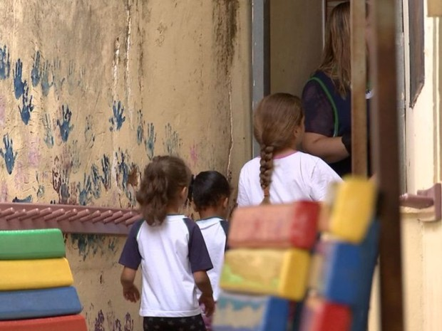 Crianças precisam de creche no bairro (Foto: Reprodução / TV TEM)