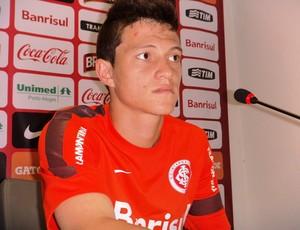 Otávio meia-atacante Inter (Foto: Tomás Hammes / GLOBOESPORTE.COM)