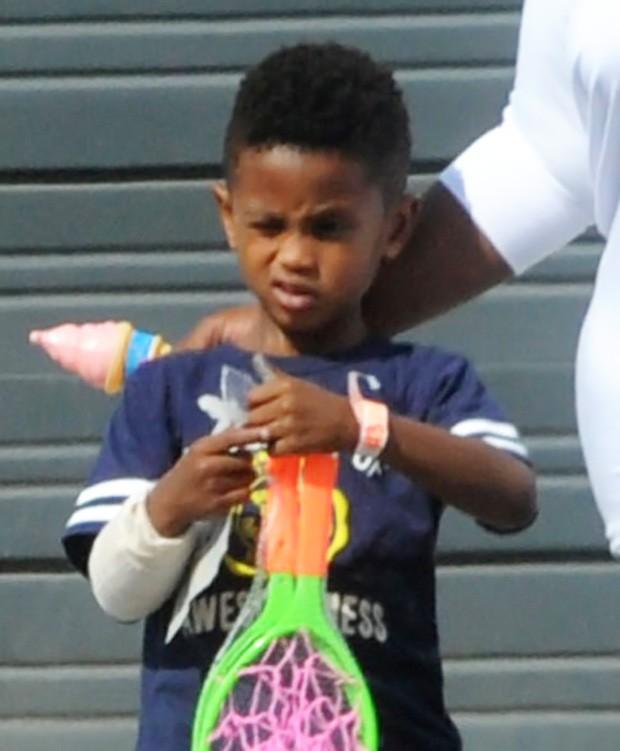 Usher Raymond, filho do cantor Usher (Foto: AKM-GSI BRASil / Splash News)