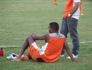 Wellington, lesionado, treino Campinense, Amigão, Campina Grande (Foto: Silas Batista / Globoesporte.com/pb)