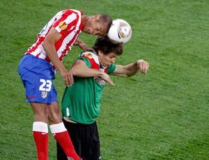 Miranda Atlético de Madrid e Fernando Llorente Athletic Bilbao (Foto: Reuters)