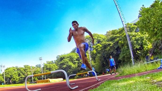 Ailson Feitosa se prepara para o panamericano, mundial e tenta ir às Olimpíadas (Foto: Divulgação/Facebook)