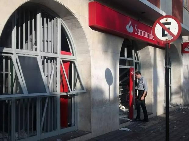Explosão caixa Santender  (Foto: Glaudson Rodrigues/Divulgação)