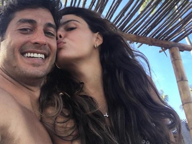 Isis Valverde e namorado (Foto: Reprodução / instagram)