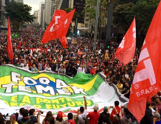 Protesto contra o governo Michel Temer ocupa a Av. Paulista. Os manifestantes pedem nova eleição presidencial (Foto: Luís Lima)