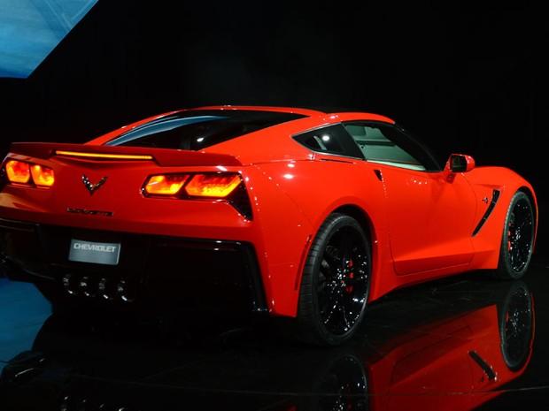 O novo Corvette tem um motor V8 com potência de 450 cavalos e é 57% mais leve do que o modelo anterior (Foto: AFP)