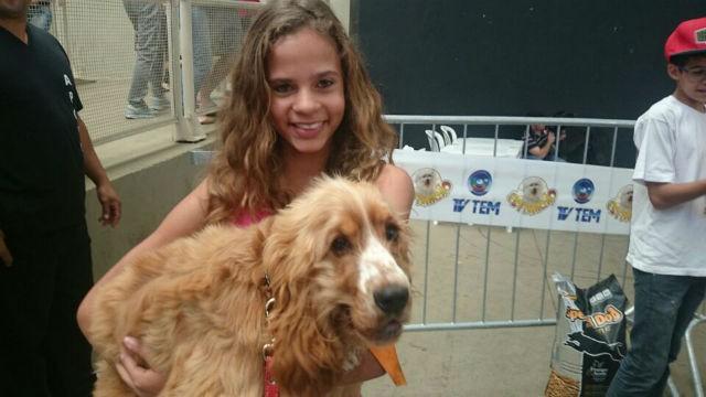 Giovana Fernanda e seu cão Bob (Foto: Adriana Pellegrino )