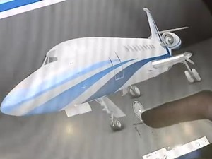 Feira em São José dos Campos traz novas tecnologias para aviões  (Foto: Reprodução/ TV Vanguarda)