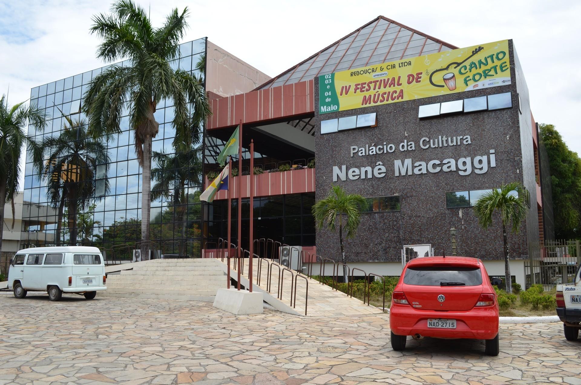 O Dia do Escritor Roraimense foi instituído em homenagem a escritora Nenê Maccagi (Foto: Rodrigo Menaros/ G1 Roraima)
