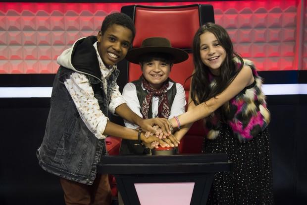 Juan Carlos Poca, Thomas Machado e Valentina Francisco (Foto: Globo/Cesar Alves)