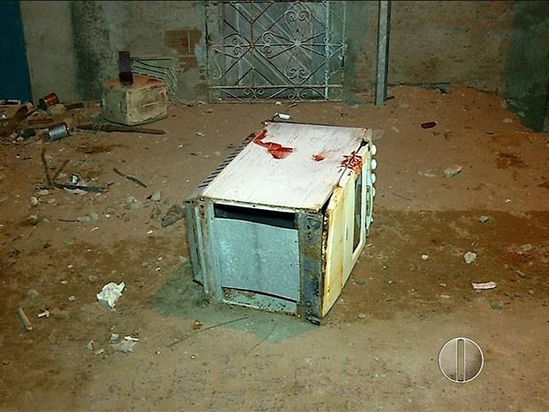 População usou fogão para espancar homem em Natal (Foto: Reprodução/Inter TV Cabugi)