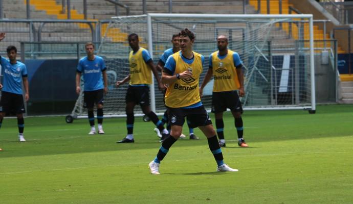 Giuliano no rachão pré-Gre-Nal (Foto: Tatiana Lopes/GloboEsporte.com)