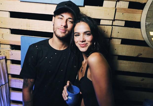 Bruna Marquezine e Neymar em Noronha (Foto: Raul Aragão)