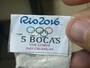 Anéis olímpicos estampam drogas apreendidas pela polícia do Rio
