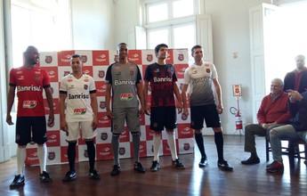 Brasil-Pel apresenta novos uniformes na véspera de jogo por vaga no G-4