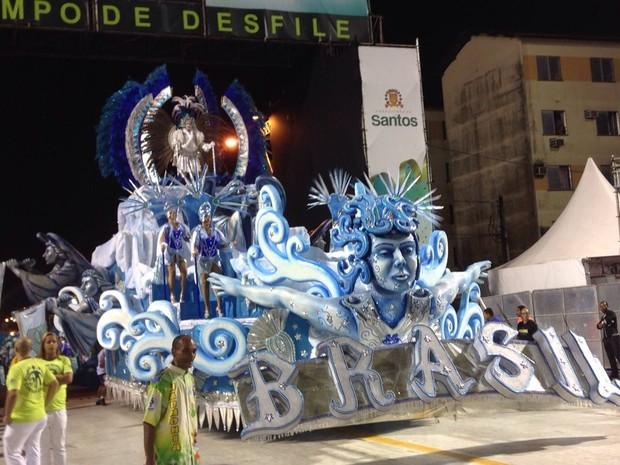 Brasil desfila na Passarela Dráusio da Cruz, em Santos (Foto: Orion Pires/G1)