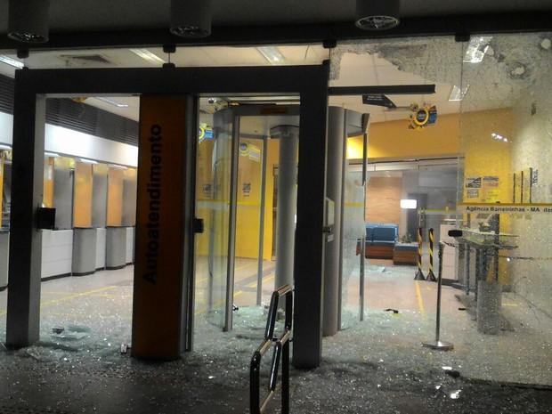 Agência foi arrombada na madrugada desta segunda (15), em Barreirinhas, MA (Foto: Divulgação/ Polícia)