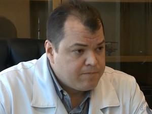 Cirurgião Fernando Sanchis negou, ao Fantástico, participação do esquema em próteses (Foto: Reprodução/TV Globo)