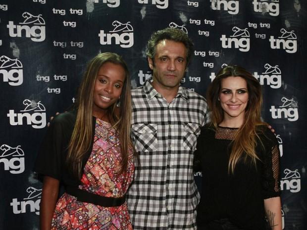 Roberta Rodrigues, Domingos Montagner e Cleo Pires no Fashion Rio (Foto: Isac Luz / EGO)