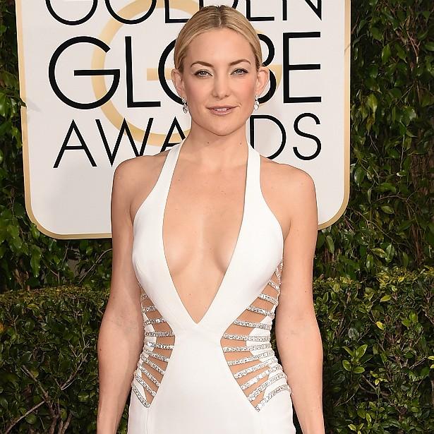 """Ninguém sabe se a atriz Kate Hudson """"entrou na faca"""" para aumentar os seios, mas os sites de fofoca dizem que sim, citando um suposto amigo dela que afirma que a estrela é muito insegura com relação ao tamanho das mamas. (Foto: Getty Images)"""