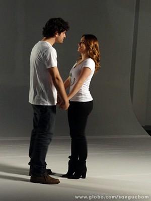 Os dois formam um belo par (Foto: Sangue Bom/TV Globo)