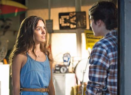Luciana e Rodrigo discutem por causa do protesto