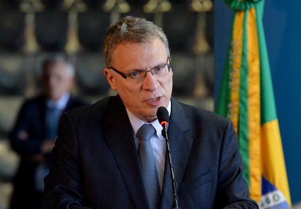 """Ministro da Justiça diz que momento é de """"resistir a todas tentativas de golpe"""""""