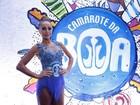 Sabrina Sato usa look curtinho para assistir a desfiles na Sapucaí, no Rio