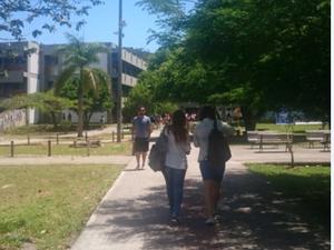 Candidatos fazem prova na UFSC em Florianópolis (Foto: Carolina Lopes/ G1)