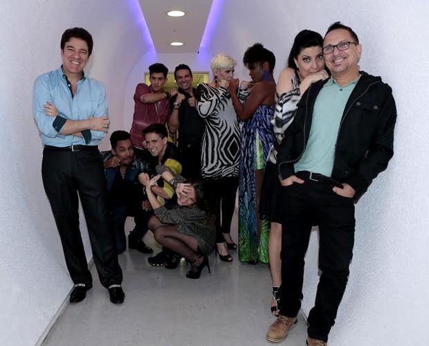 Finalistas do Iluminados posam nos bastidores do Domingão (Foto: Felipe Monteiro/TV Globo)