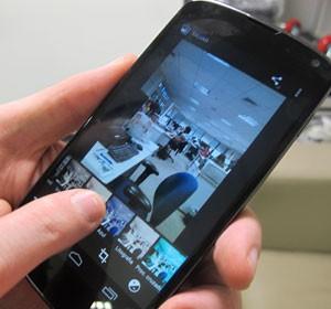 Nexus 4 traz diversas ferramentas de edição de foto (Foto: Laura Brentano/G1)