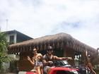 Scheila Carvalho curte aventura em família na Bahia