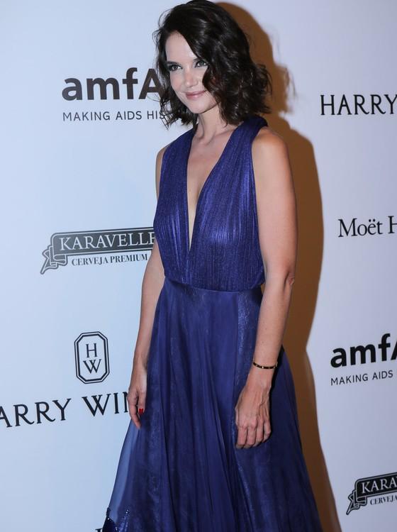 Katie Holmes: discreta, um tando tímida, mas muito simpática, ela foi uma das estrelas da noite (Foto: AG. News)