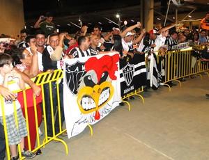 Embarque Atlético-MG  (Foto: Léo Simonini)