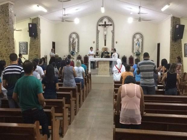 Missa em Canindé de São Francisco (SE) reuniu atores e comunidade ribeirinha (Foto: Genilson Aragão)