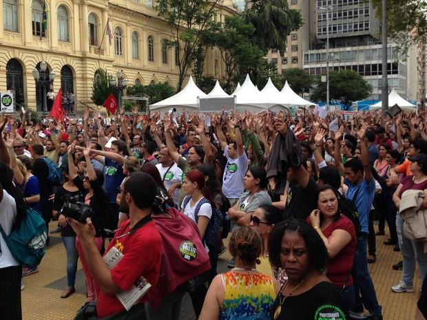 Sem acordo, professores decidem manter greve na rede estadual de São Paulo (Foto: Roney Domingos/G1)