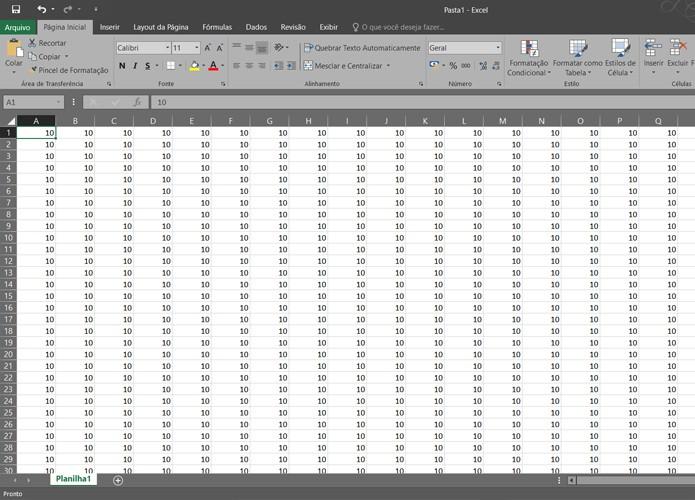 É possível orientar o Excel para imprimir tabelas e planilhas com muitas colunas nos limites de uma página (Foto: Reprodução/Filipe Garrett)