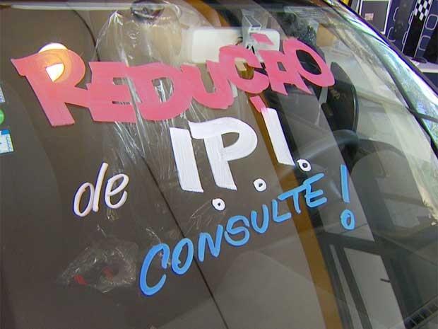 Fluxo de consumidores aumenta nas concessionárias de Campinas  (Foto: Reprodução / EPTV)