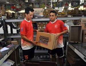 38715d2ac5 Brasil Afora  parceria com farmácia dá vida dupla a jogadores do ...