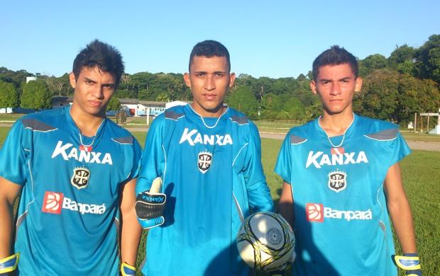Hilton, Ramon e Wiliam. Jovens jogadores que buscam uma vaga como Goleiro do Leão. (Foto: Weldon Luciano  - GLOBOESPORTE.COM)