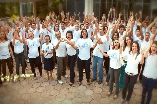 Animação não faltou durante a gravação do clipe  (Foto: Reprodução/ TV Amazonas)