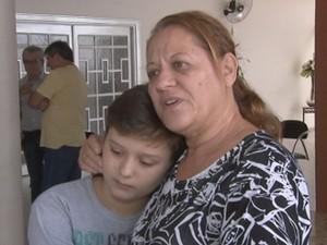 Tia contou que Diego foi morar em Camboriú para ficar perto do filho  (Foto: Reprodução / TV TEM)
