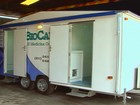 Empresa monta consultórios médicos dentro de trailers